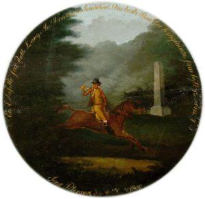 Fugleskydningsskive fra Roskilde og Omegns Fugleskydningsselskab, 1800. Fuglekongen, en postmester afbildes ridende forbi en marmormilesten. Foto ROMU.